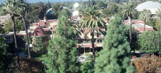 Image: Winchester Mystery House by Cullen328, via Wikimedia Commons (CC-BY-SA-3.0)