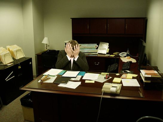 Frustrated_man_at_a_desk